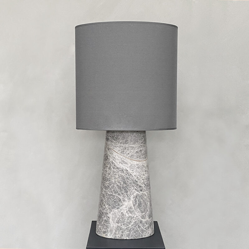 VERSO TABLE LAMP LARGE CASTLE GREY | RAASTED